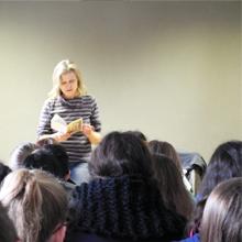 Cornelia Franz bei einer Lesung 2